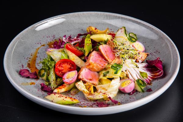 Салат с тунцом кимчи