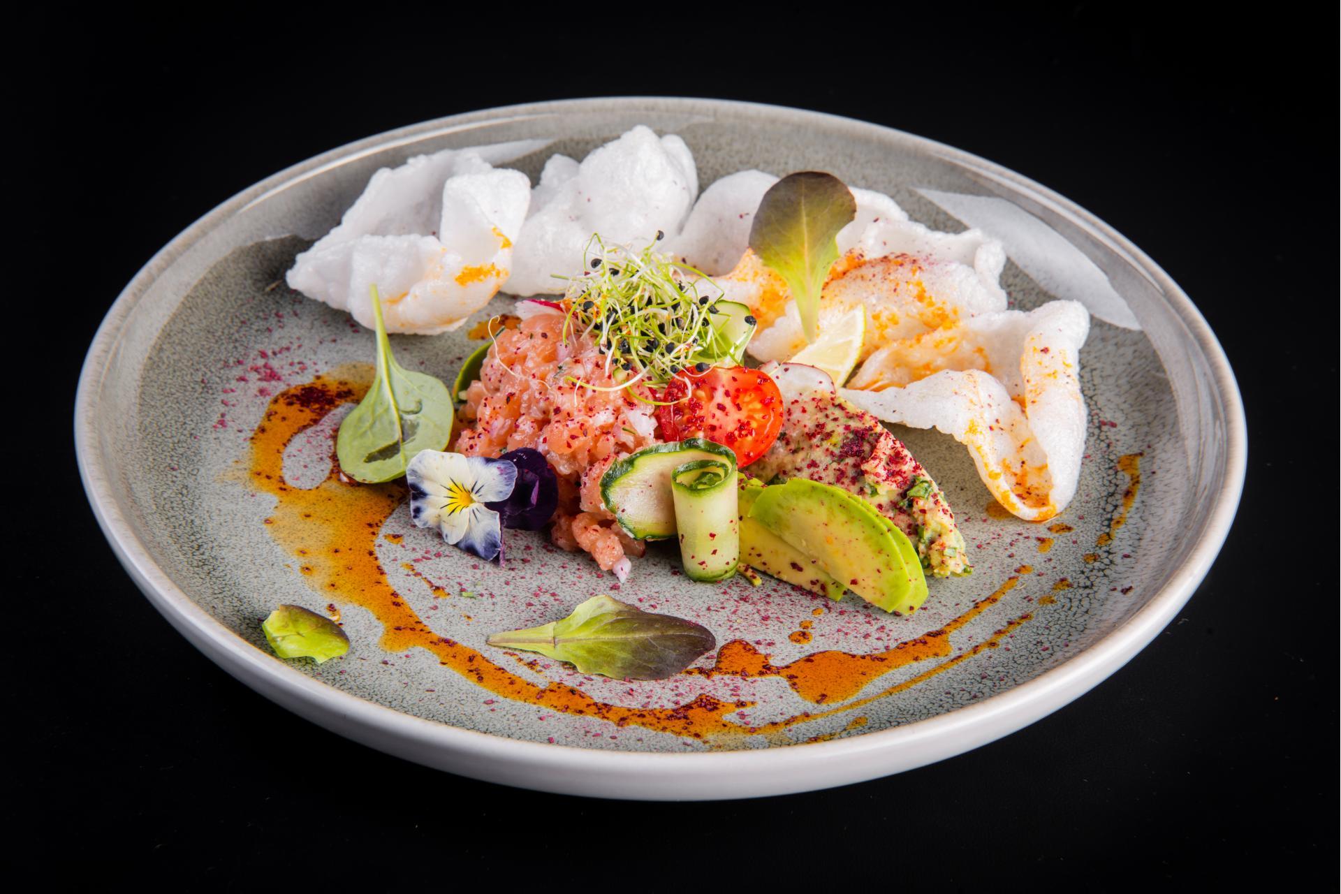 Тар-тар из лосося с гуакамоле